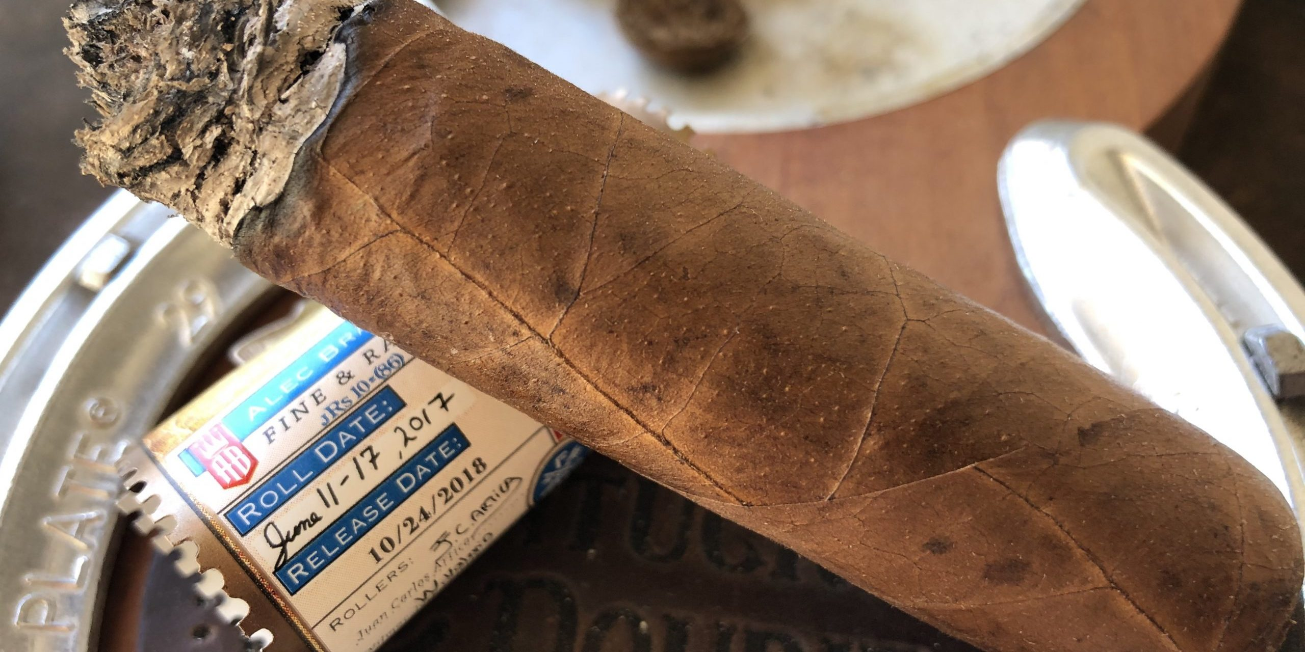 You are currently viewing Alec Bradley Fine & Rare 2018 Gran Toro Cigar Review