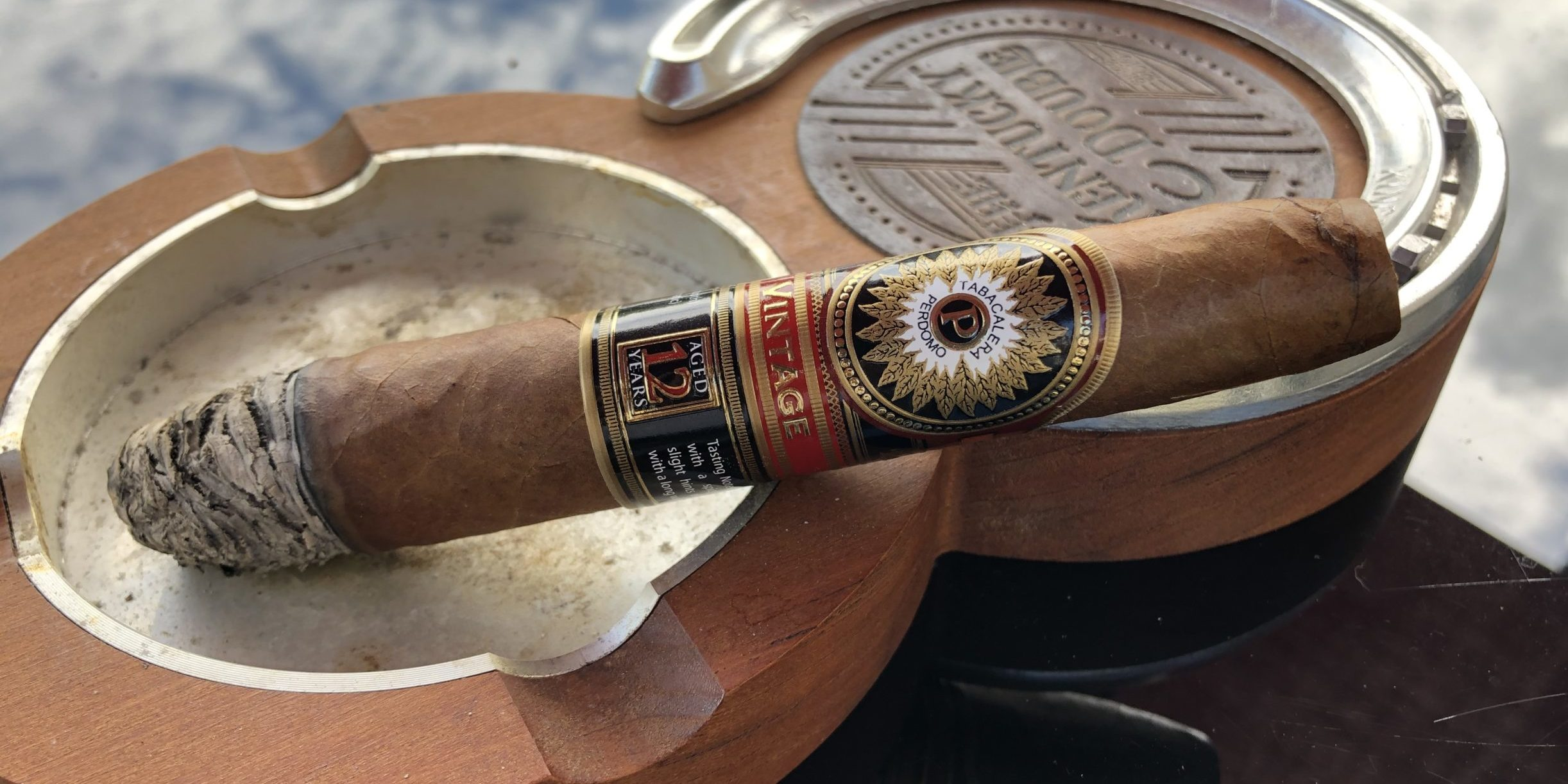 Read more about the article Perdomo Double Aged 12 Year Vintage Salomon Sun Grown