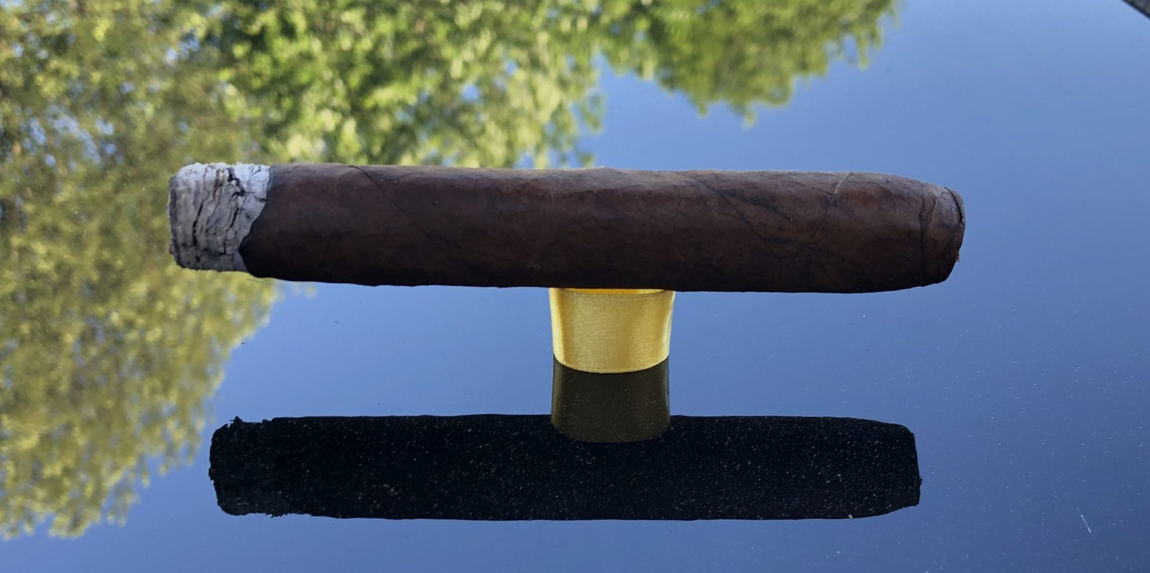 You are currently viewing Crowned Heads Yellow Rose Box-pressed Torpedo Cigar Review