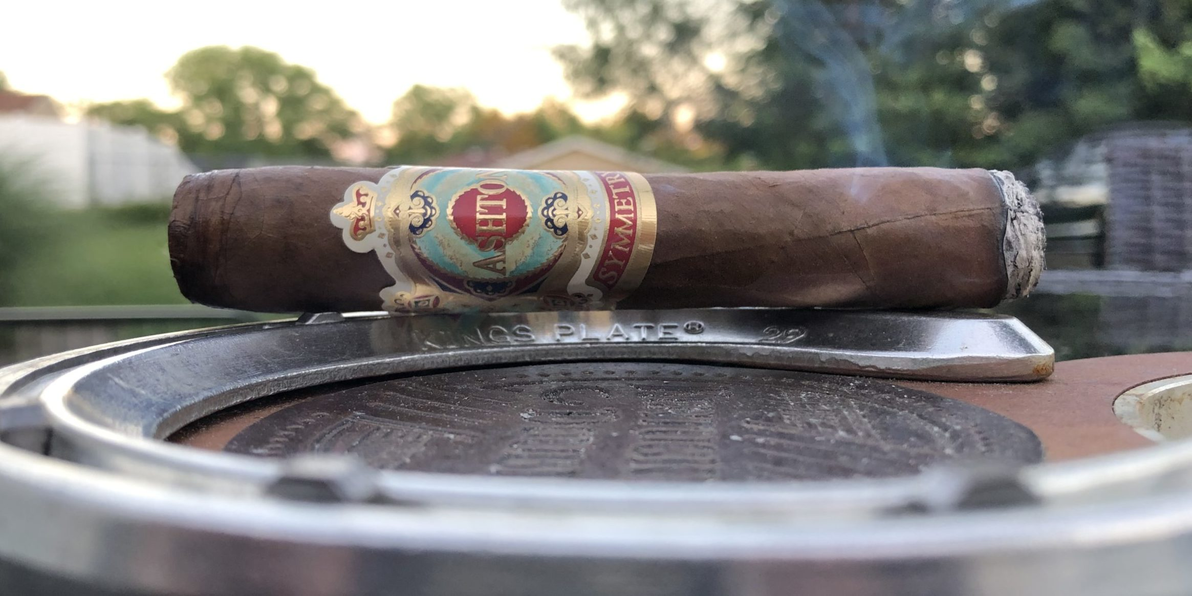 Read more about the article Ashton Symmetry Robusto Cigar Review