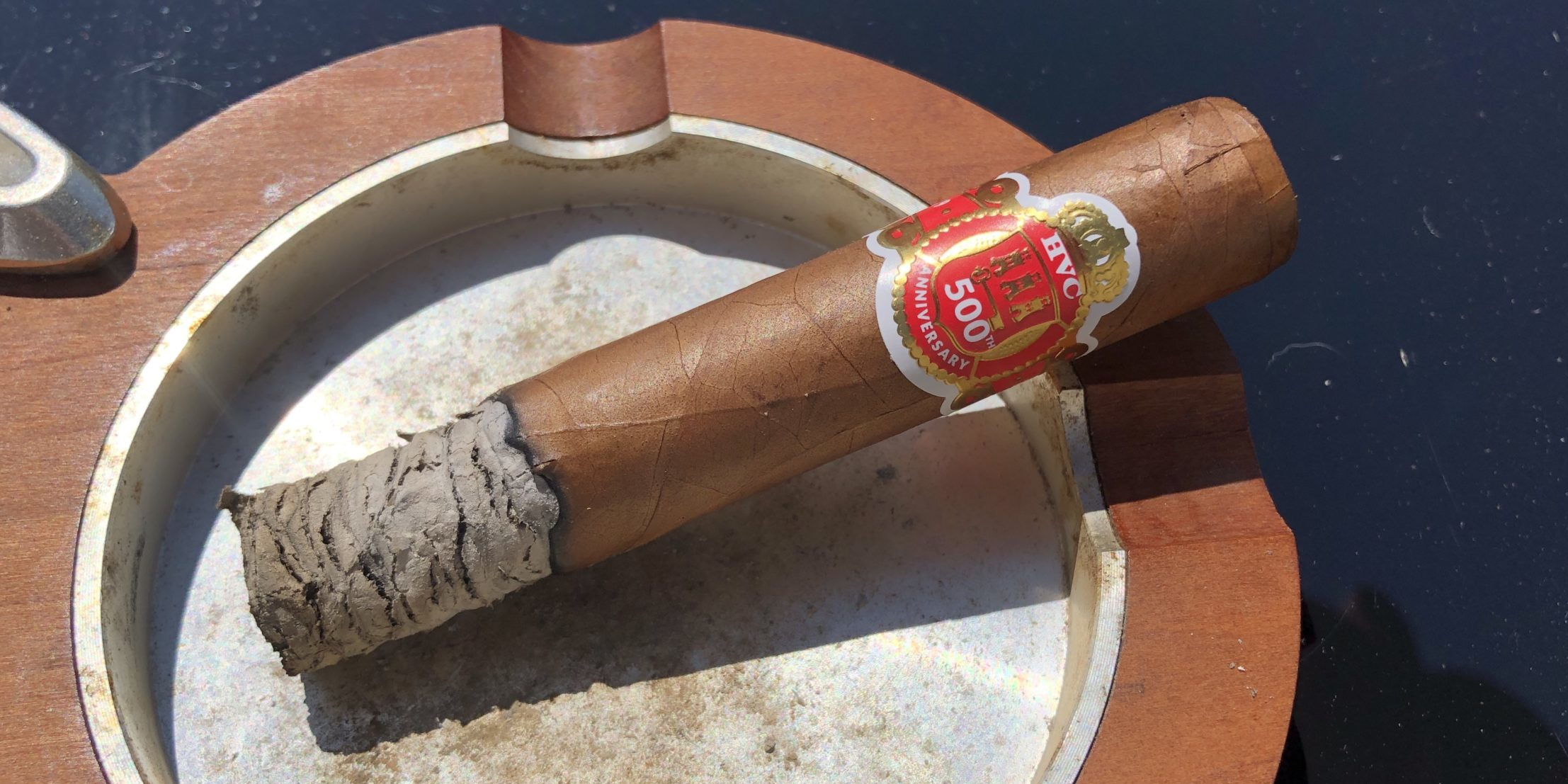 You are currently viewing HVC 500 Years Anniversary LE Short Robusto Cigar Review