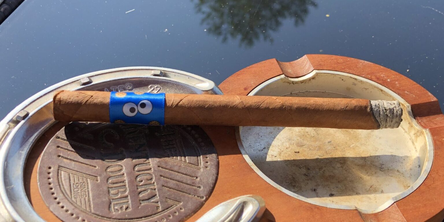 Lost and Found Cookie Monster Lancero Cigar on ashtray