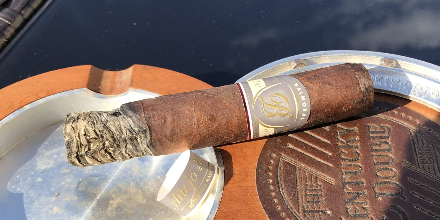 You are currently viewing Balmoral Anejo XO Rothschild Masivo Cigar Review
