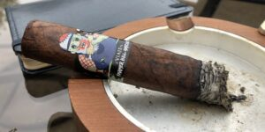Read more about the article Viaje Zombie Farmer Bill Hatchet Cigar Review