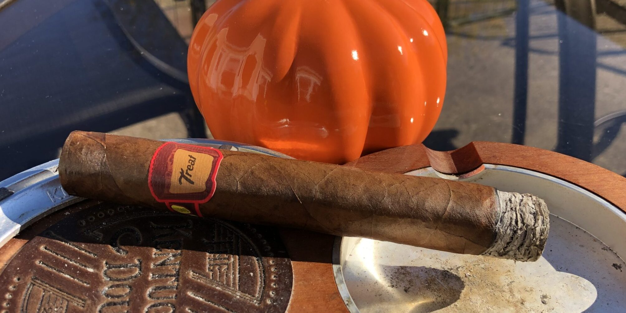 You are currently viewing Privada Cigar Club Lost & Found Treat Cigar Review