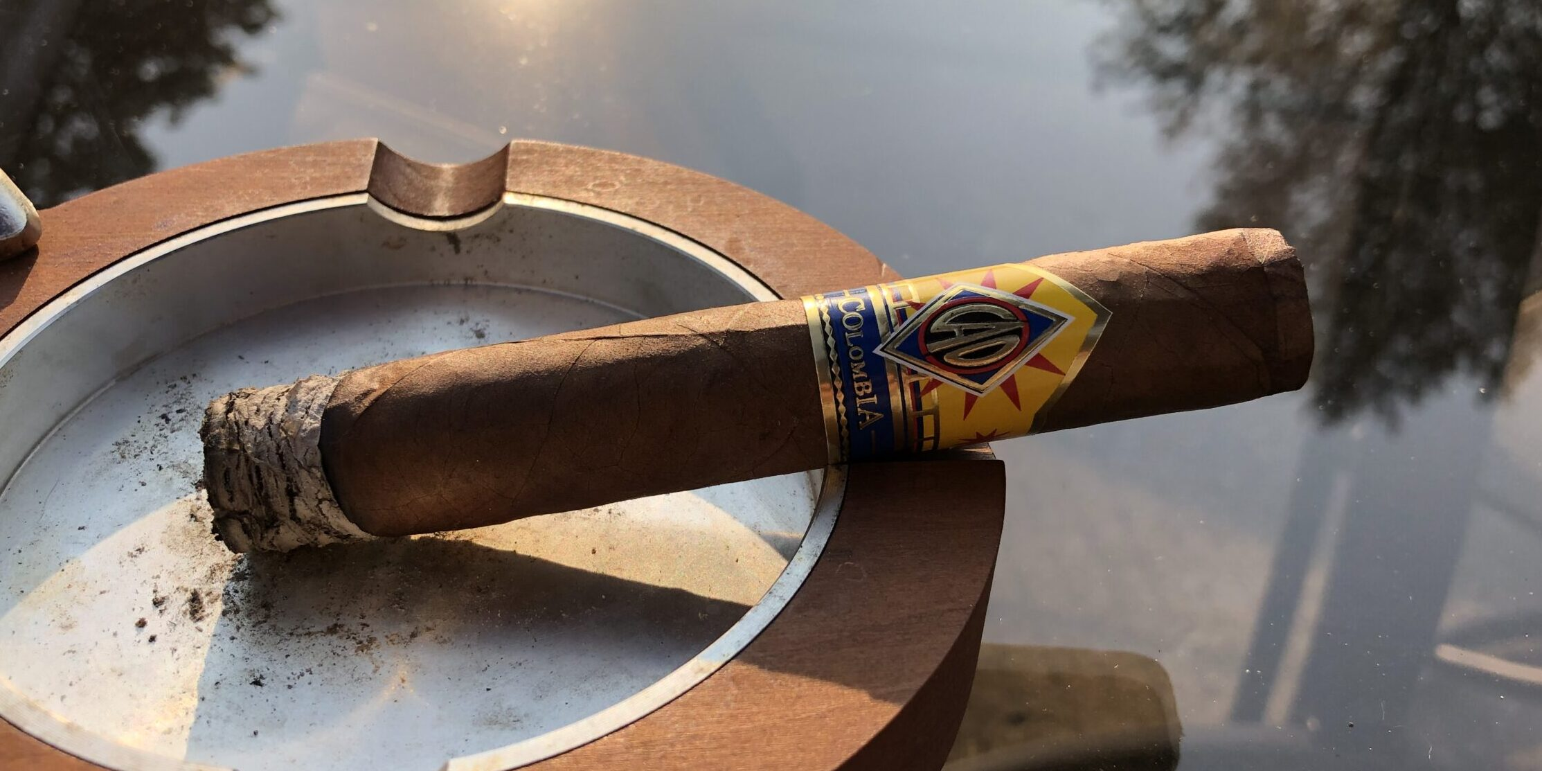 You are currently viewing CAO Columbia Tinto Robusto Cigar Review
