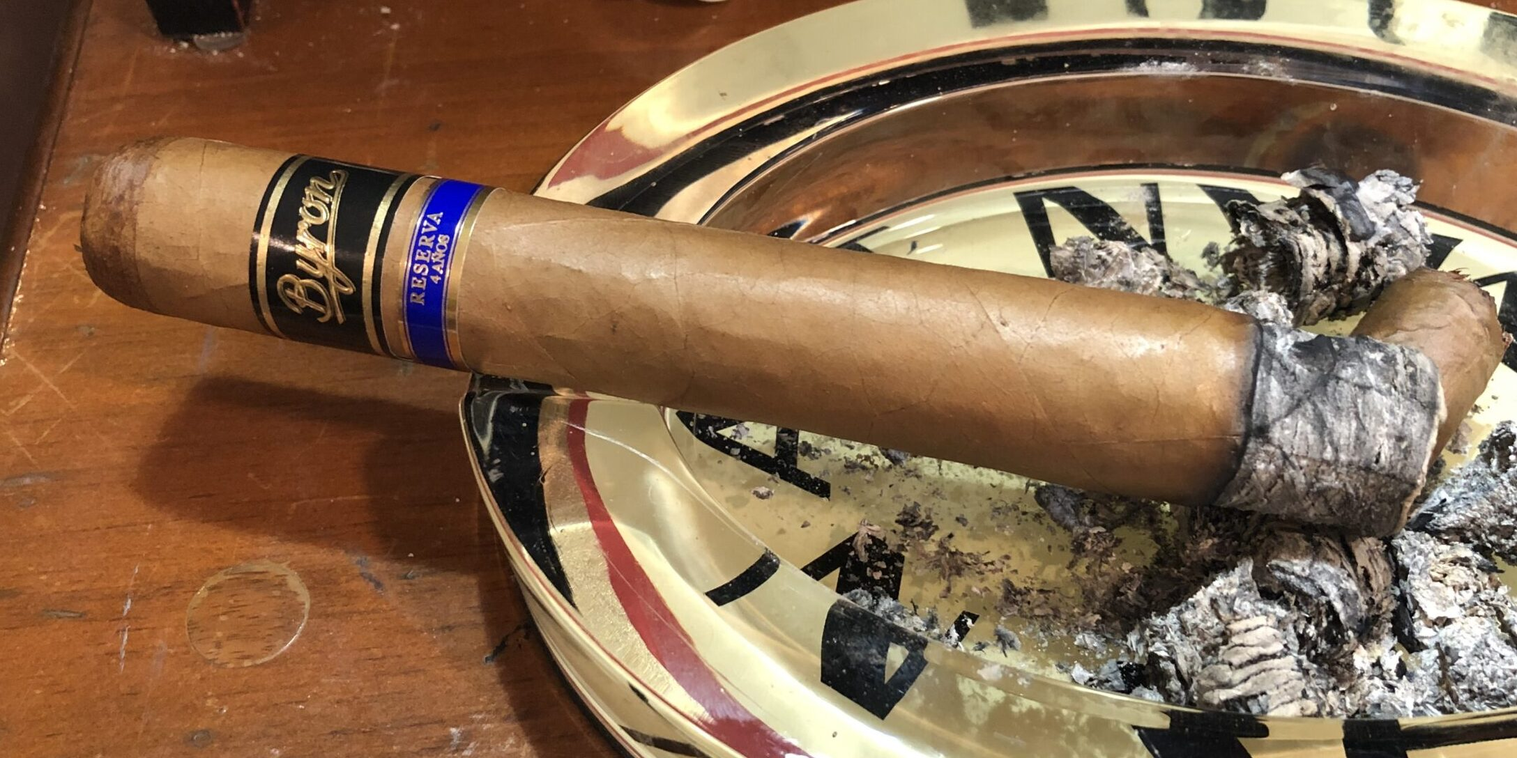 Read more about the article Byron Serie Siglo XXI Honorables Cigar Review