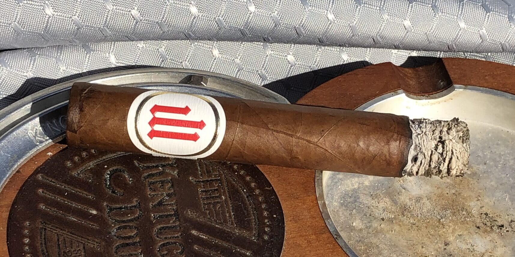 You are currently viewing Crowned Heads Mil Dias Edmundo Cigar Review