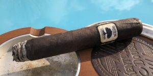 Read more about the article Charter Oak Connecticut Broadleaf Grande Cigar Review