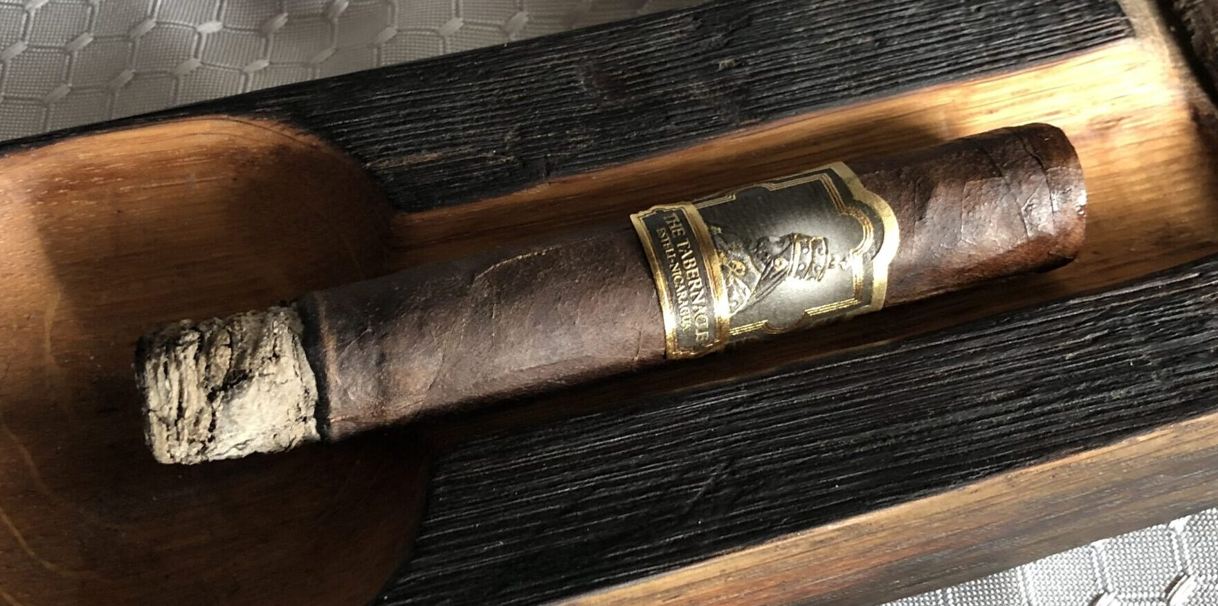 You are currently viewing Foundation Cigars The Tabernacle Robusto Cigar Review