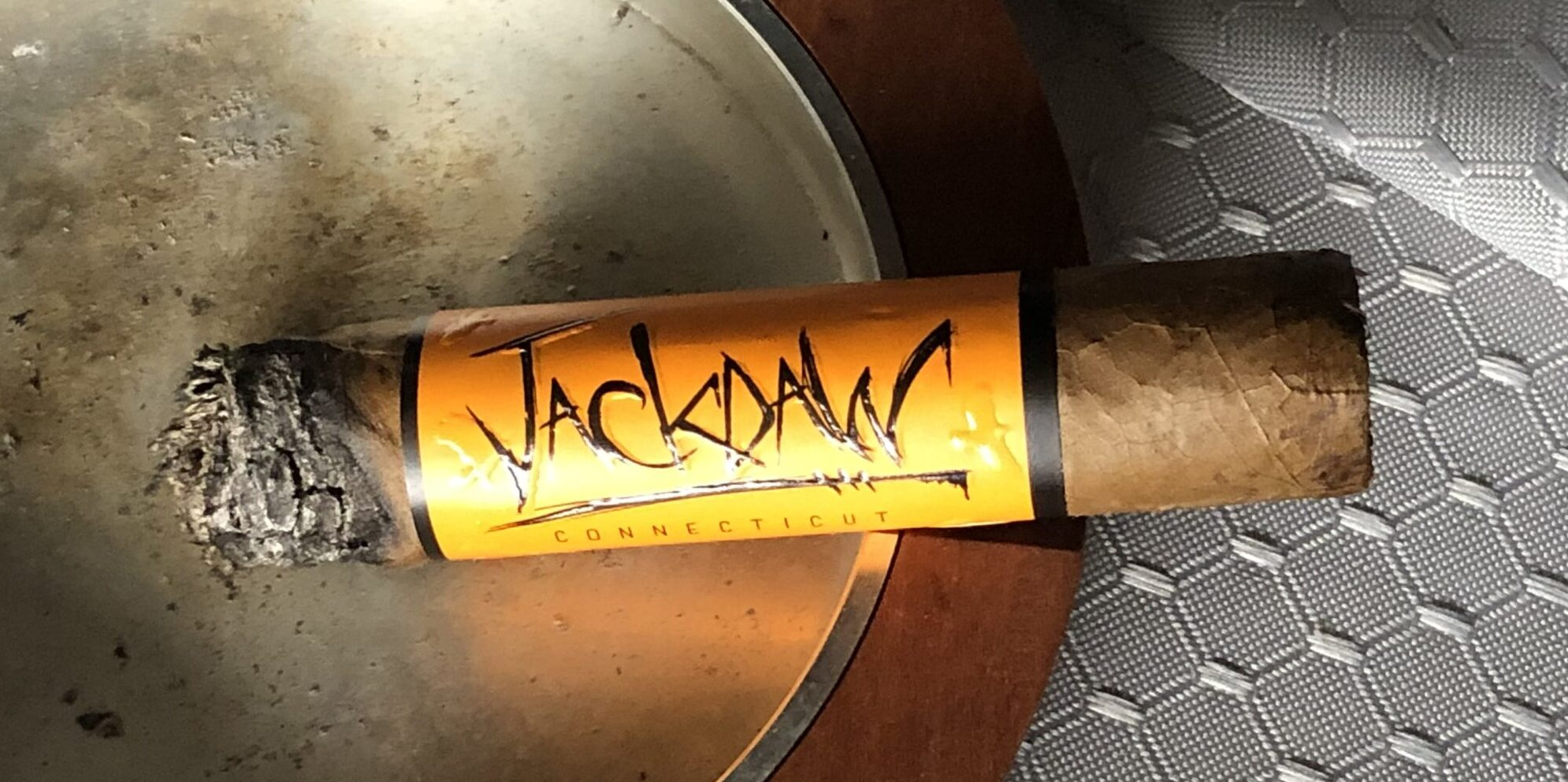 Read more about the article Blackbird Jackdaw Robusto Cigar Review