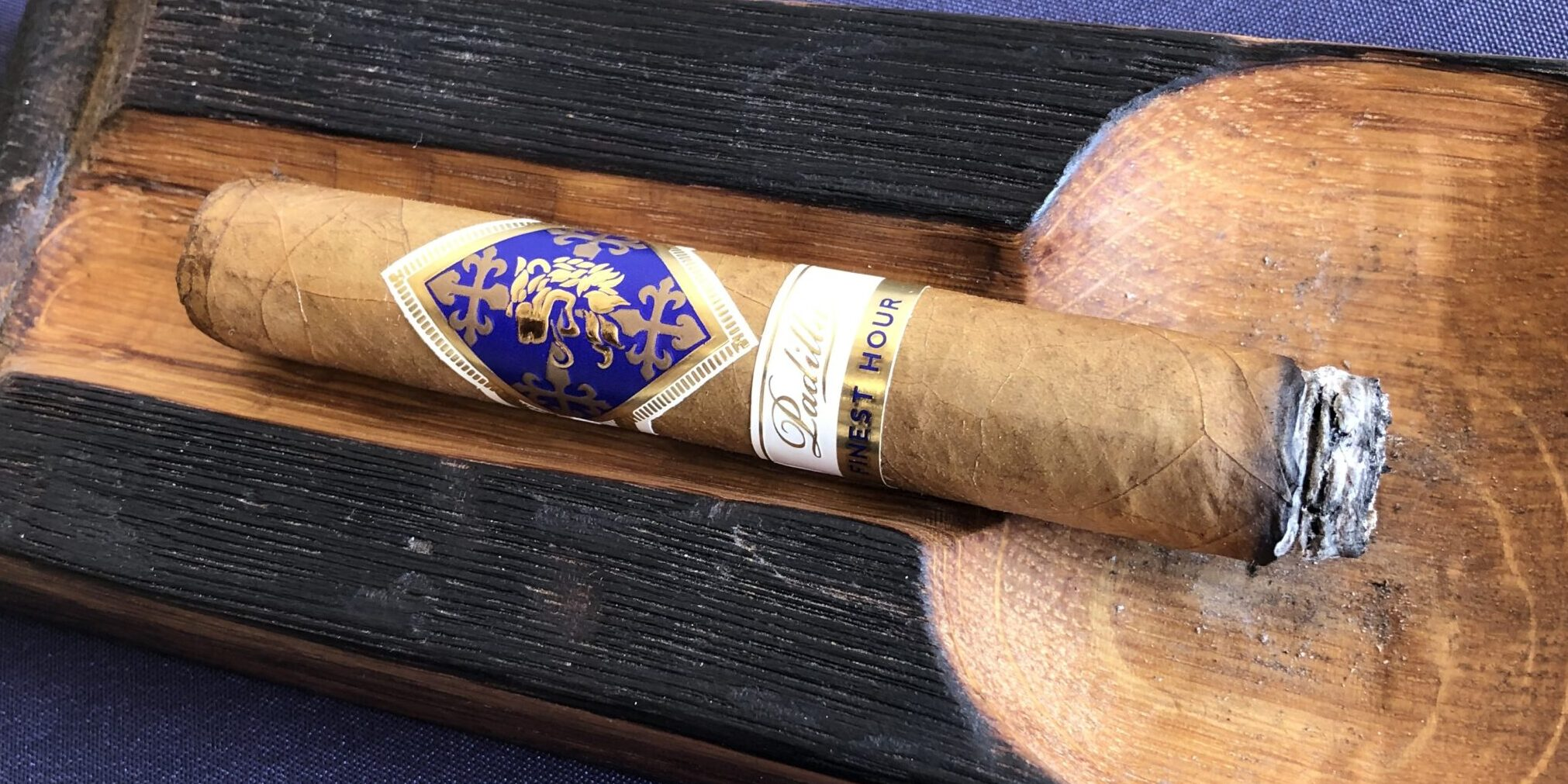 You are currently viewing Padilla Finest Hour Connecticut Robusto Cigar Review