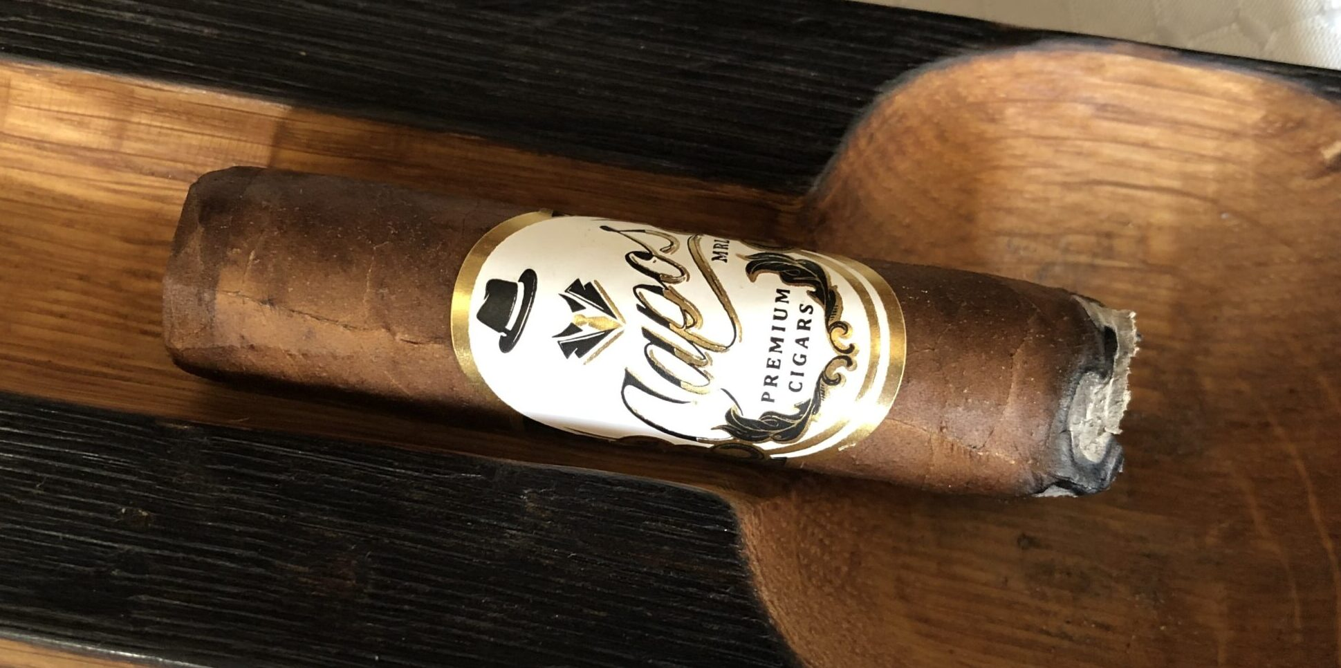 You are currently viewing Capos Cigar MLR Habano Robusto Cigar Review
