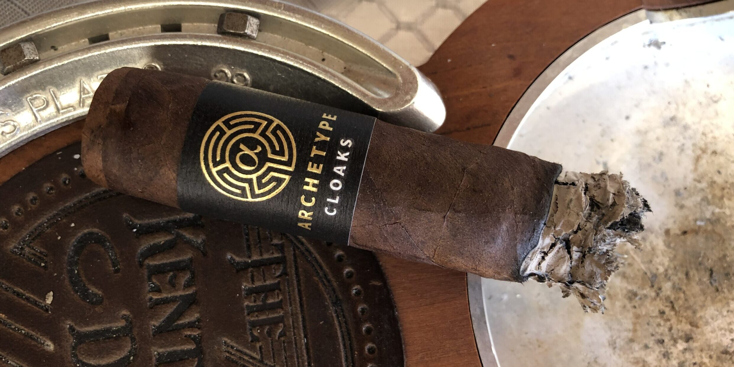 You are currently viewing Archetype Cloaks Robusto Cigar Review