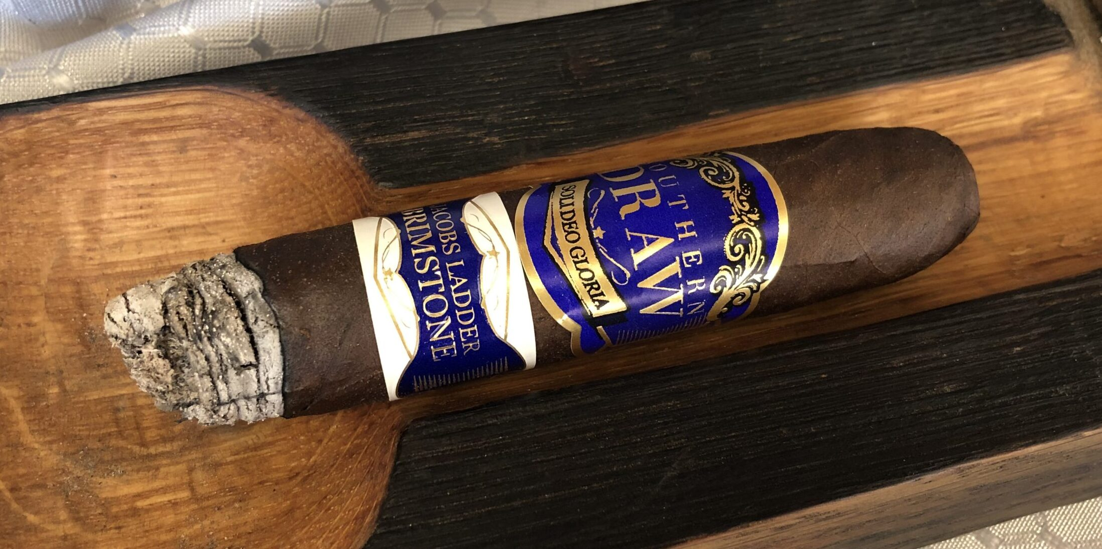 You are currently viewing Southern Draw Jacob's Ladder Brimstone Oblivion Perfecto Cigar Review