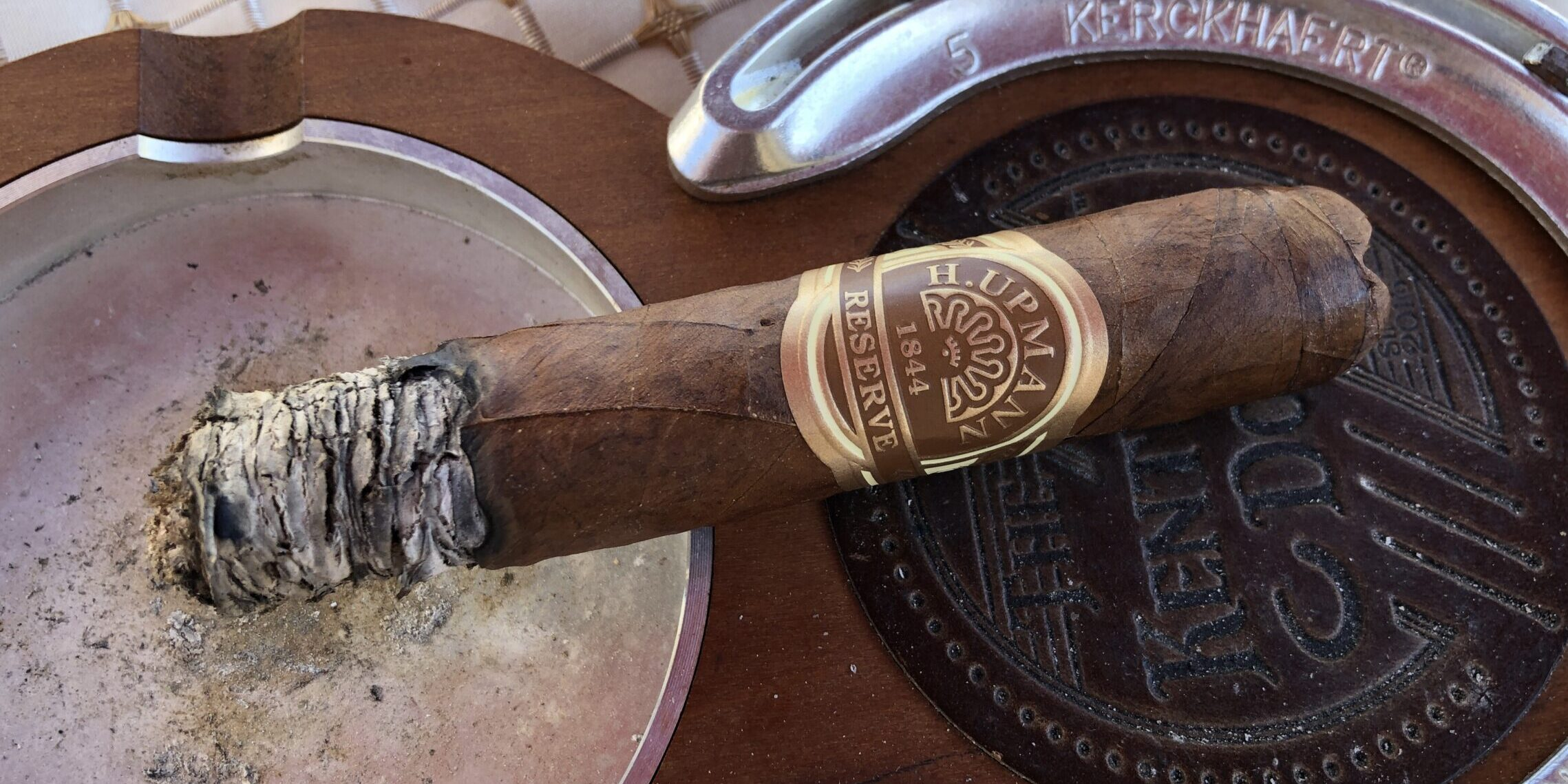 You are currently viewing H. Upmann 1844 Reserve Titan Gordo Cigar Review