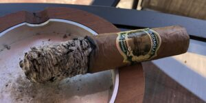 Read more about the article Casdagli Traditional Cotton Tail Figurado Cigar Review