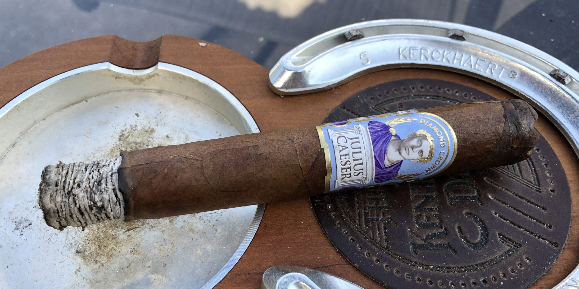 You are currently viewing Diamond Crown Julius Caesar Toro Cigar Review