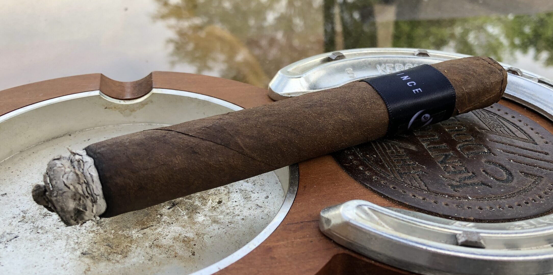 You are currently viewing Blackbird Cigars The Vince Corona Gorda Cigar Review