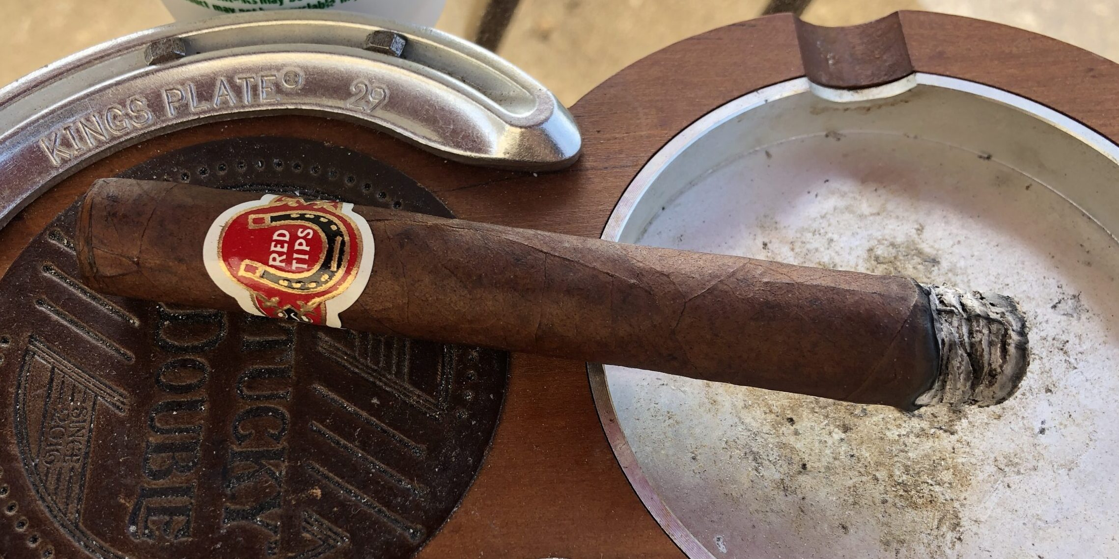 Read more about the article Red Tips Corona by Vintage Fresh Cigar Review