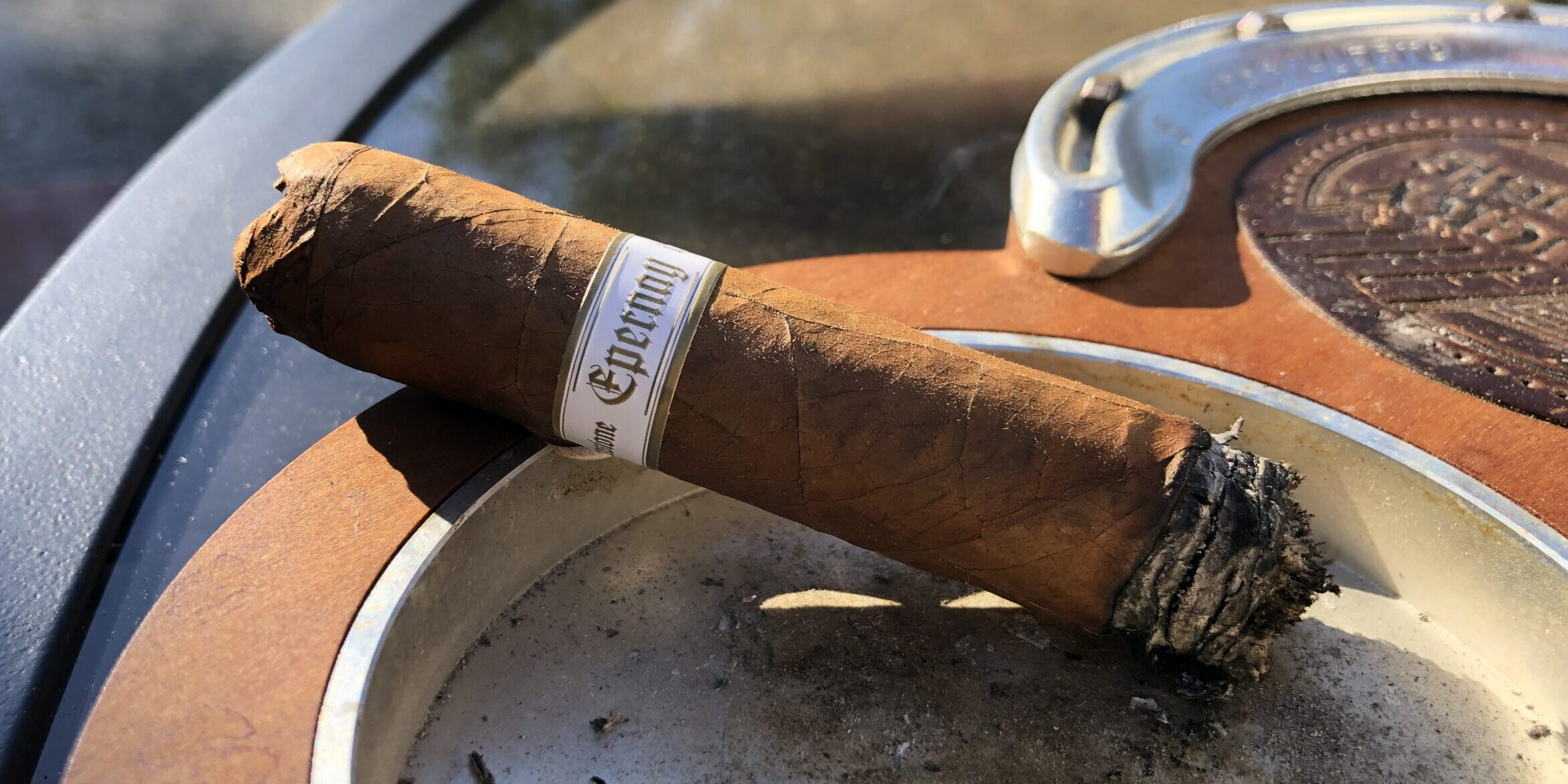 Read more about the article Illusione Epernay 10th Anniversary D'Aosta Toro Cigar Review
