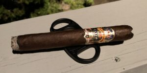 Read more about the article Diamond Crown Maximus No. 4 Toro Cigar Review