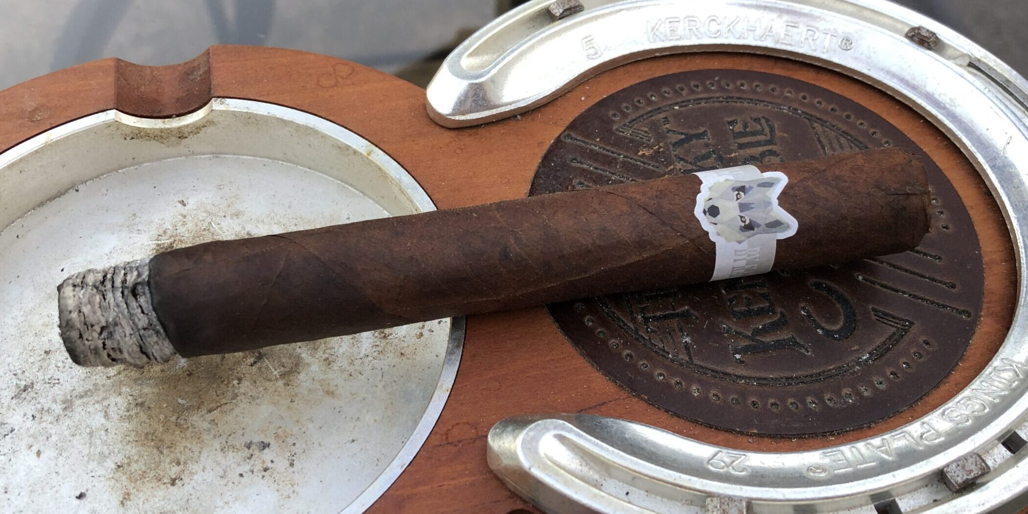 You are currently viewing Kafie 1901 Grey Wolf Corona Gorda Cigar Review