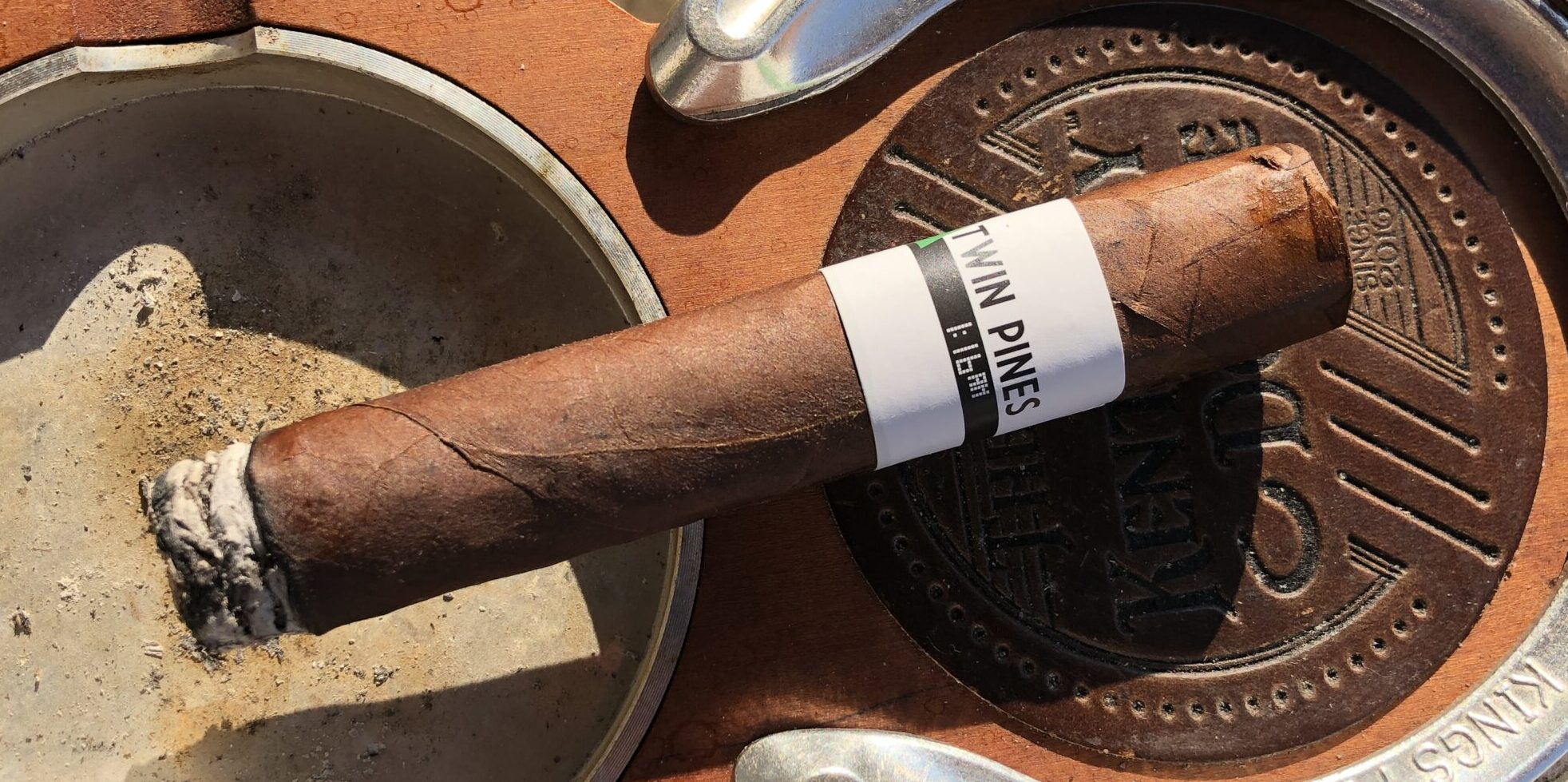 You are currently viewing Twin Pines Box-pressed Robusto by Jochy Blanco Cigar Review